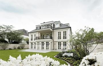 Exklusive Garten-Wohnung in repräsentativer Stadtvilla!, 40237 Düsseldorf, Etagenwohnung