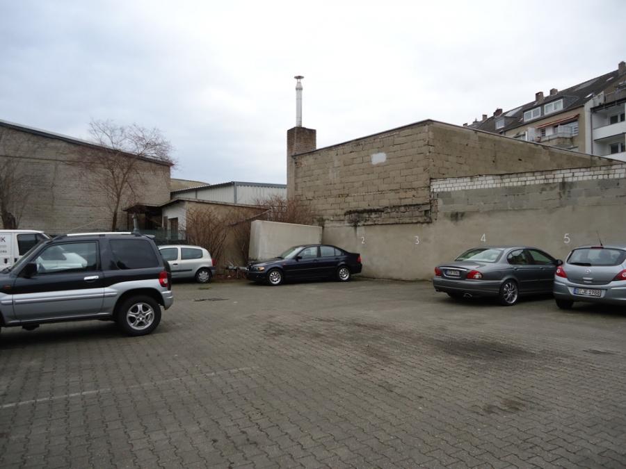 Mehrfamilienhaus In Dusseldorf Wersten 850 M Parlak